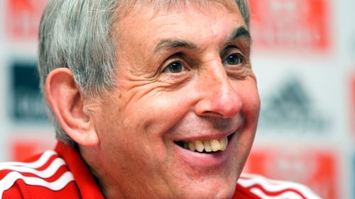 Ian McGeechan believes that the Lions squad should be selected on the basis of form