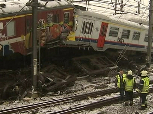 Halle - Two trains involved in crash