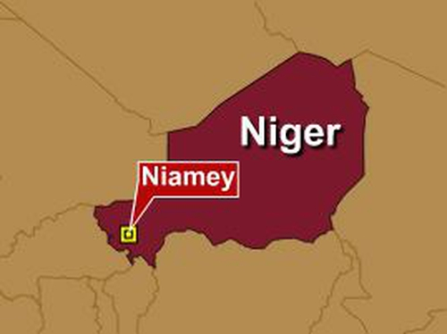 Niger - Smoke seen coming from presidential palace
