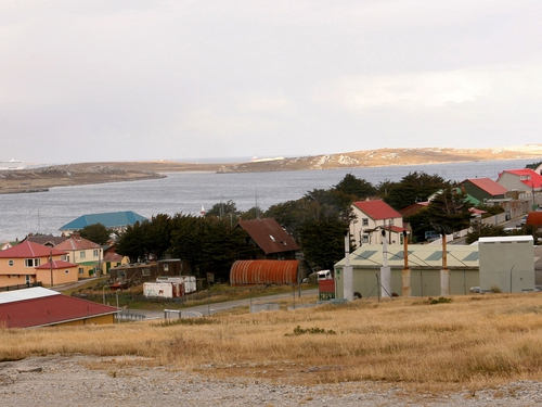 Falkland Islands - Argentina wants to stop drilling by British company