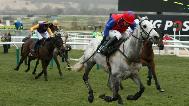 French Champion Hurdle winner Thousand Stars made all to take the Morgiana Hurdle