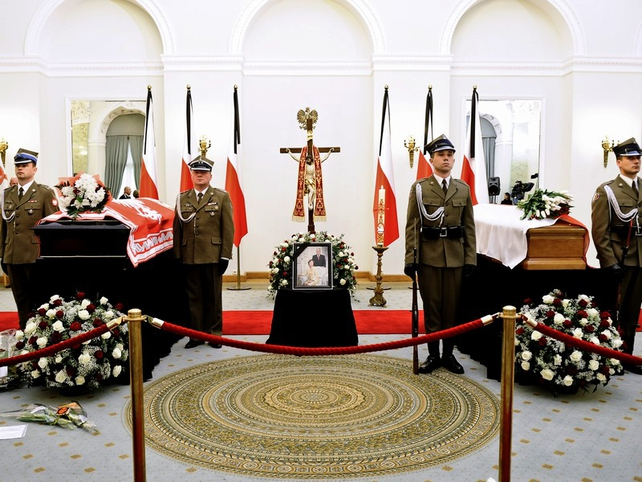 Poland - Lech and Maria Kaczynski lying in state