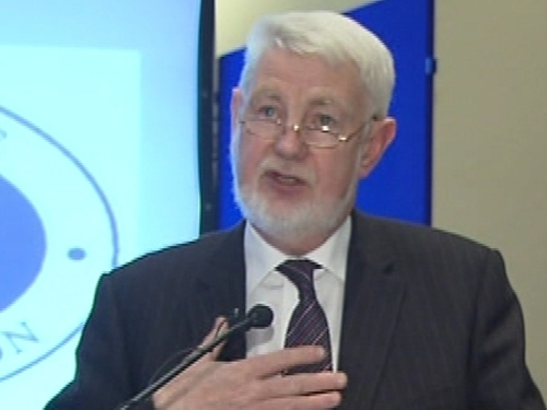 David Begg - Govt 'transfixed' by banking crisis