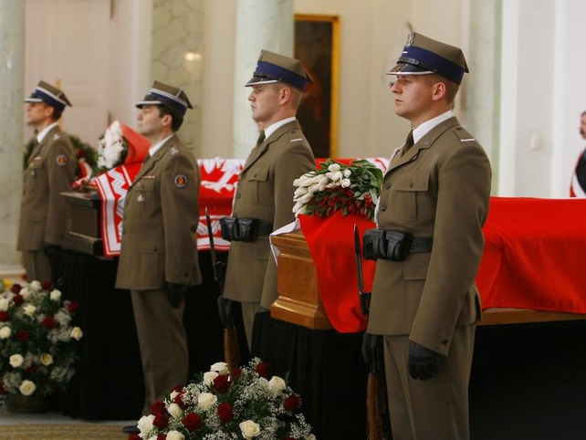 Coffins - Kaczynski family wants Sunday's funeral to go ahead