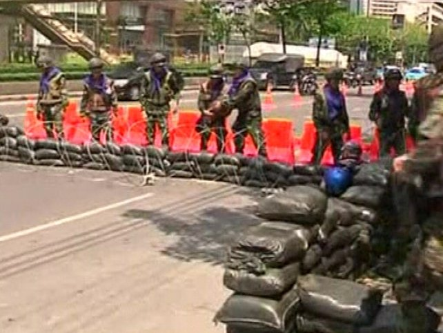Bangkok - Army attempting to regain control
