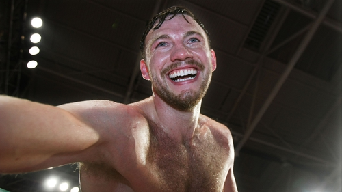 Andy Lee recovered from a sluggish start to knock out Craig McEwan in the tenth round