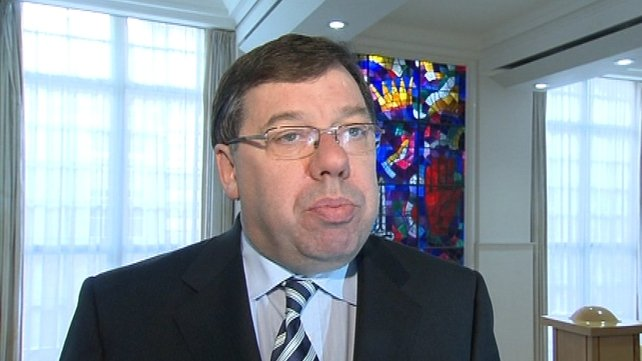 Brian Cowen - Tabled motion in response to Fine Gael action