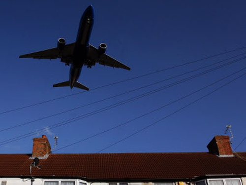Low-flying aircraft - Belfast residents unhappy