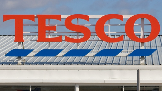 Clarke steps down as Tesco CEO