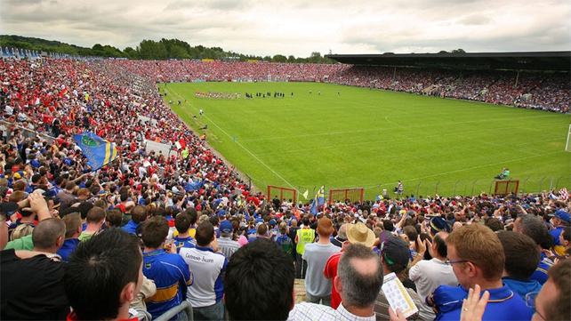 Plans to redevelop Páirc Uí Chaoimh as a 40,000 all-seater stadium have been criticised