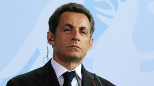 Nicolas Sarkozy - Back from Riviera for emergency meeting