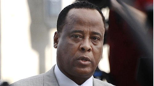 Conrad Murray has lodged court papers signalling plans to appeal