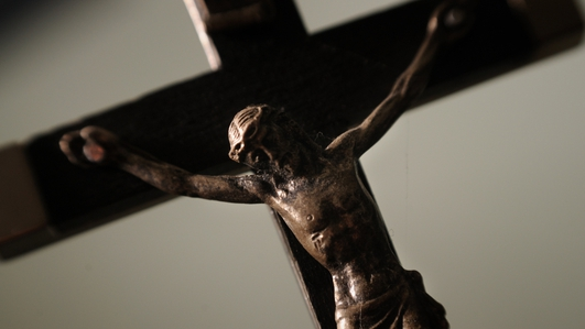 A vote in favour of a crucifix in council chamber