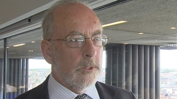 Patrick Honohan - Ireland remains committed to its target of reducing its budget deficit to 3%
