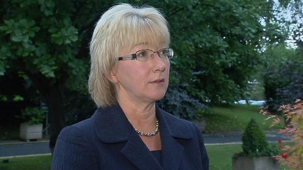 Mary Hanafin - Wants Senator to clarify issues
