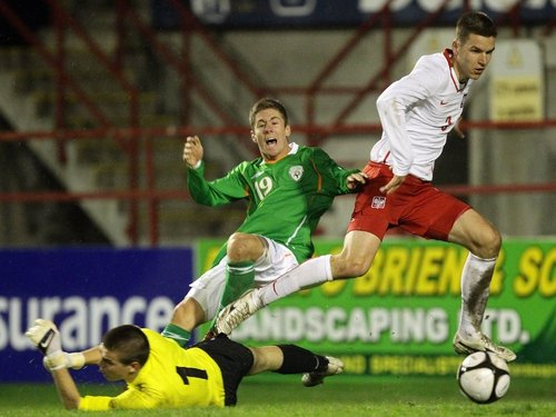Daniel Kearns in action for the Republic of Ireland Under-19 side against Poland in April of this year
