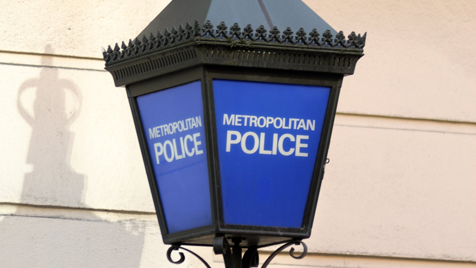 Met Police apologises after Twitter, emails hacked