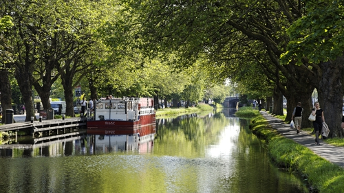 Grand Canal - Some 'kissing gates' to be opened