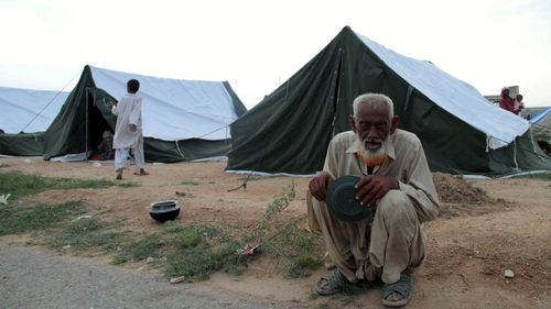 Karachi - Flood survivors in a camp set up for displaced people