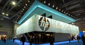 HP's sales fell 2.5% in the fourth quarter to $28.41 billion
