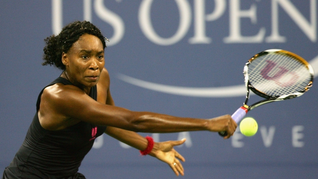 Venus Williams eased to victory over Mandy Minella