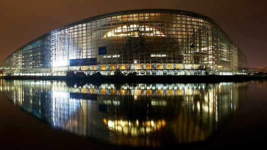 Máirín Ní Ghadhra, Strasbourg.
