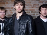 LOVE/HATE - HUGHIE (Brian Gleeson), DARREN (Robbie Sheehan), John Boy (Aidan Gillen)