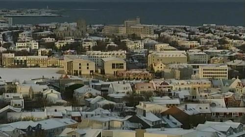 Icelandic economy - Shrank for seven quarters in a row
