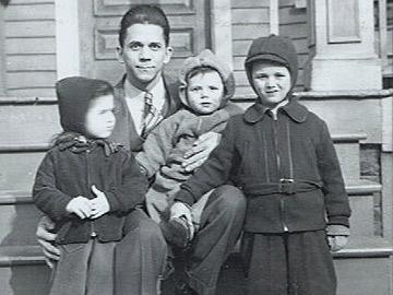 CSÍ - Frank with Children