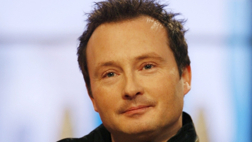 Jim Corr - Bank says he is 'evading service' of legal papers