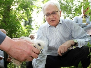 Minister Gormley with a Red Kite Chick
