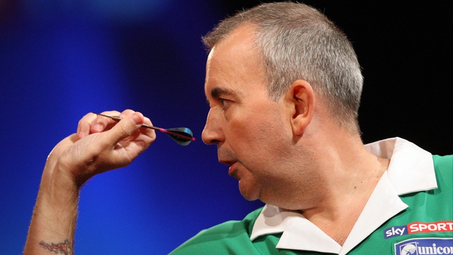 Phil Taylor booked his place in the quarter-finals of the PDC World Darts Championship