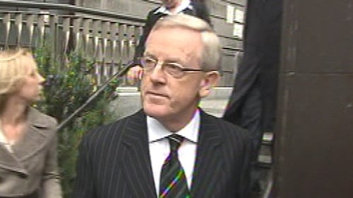 Frank Dunlop testified that businessman Jim Kennedy gave him IR£25,000 to pay councillors