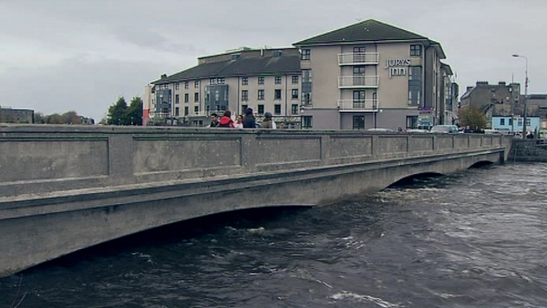 Galway - Flood warning in place