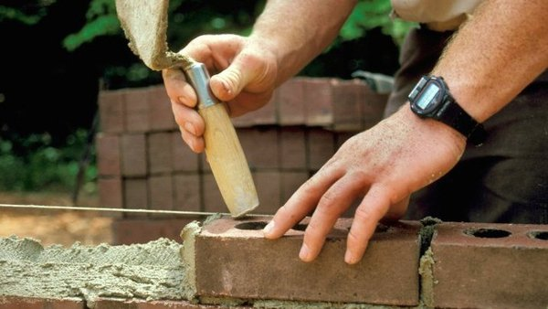 Construction - Wage agreements will come under independent review