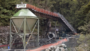 New Zealand - 29 workers trapped at Pike River coal mine