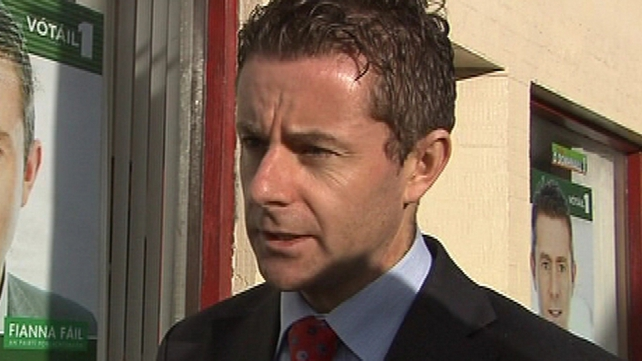 Brian Ó Domhnaill wanted the investigation carried out by bilingual members of the commission
