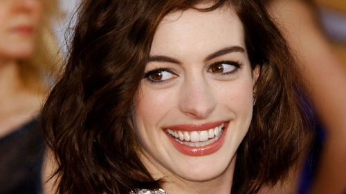 Hathaway - Set to host the Oscars