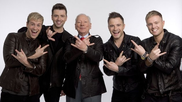 RTE GUIDE SCANS - WESTLIFE AND GAY BYRNE 0003fee8-630