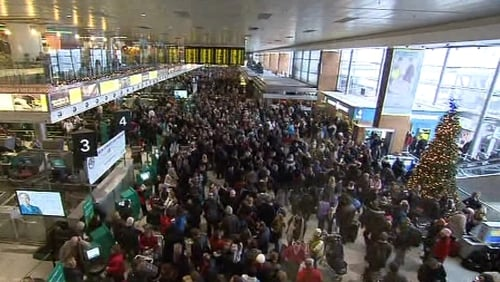 Dublin Airport - Long queues as flights cancelled for most of the day