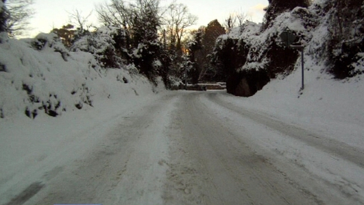 Gardaí warn of hazardous driving conditions as Met Eireann issues status yellow snow and ice warning for 18 counties