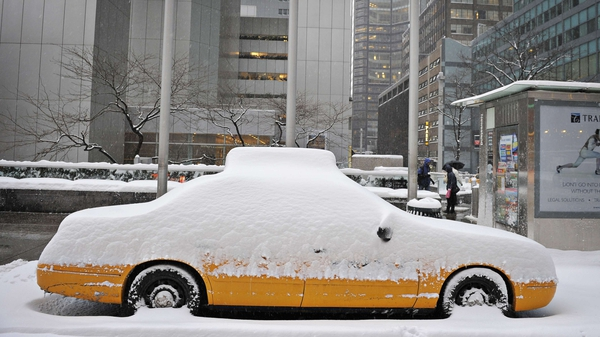 New York - Up to 22 inches of snow expected