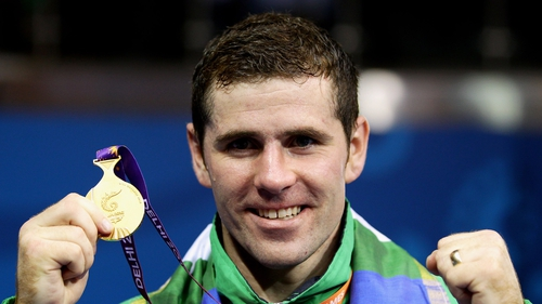 Eamonn O'Kane shows off his Commonwealth gold
