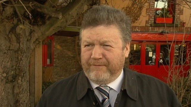 Dr James Reilly - Will discuss matter with health officials