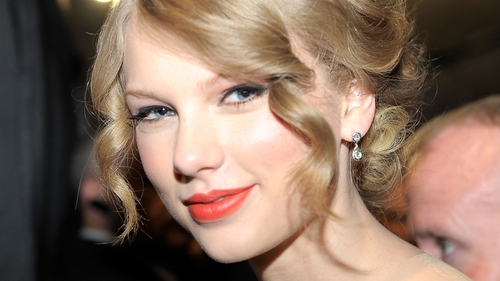 Swift No 1 for second week with her new album, Red