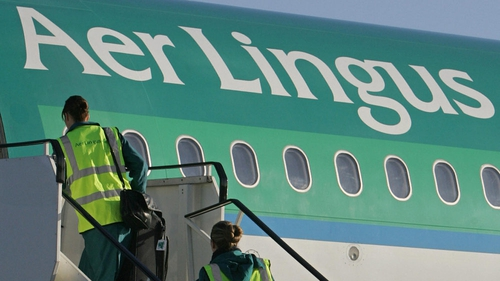 Aer Lingus - Has hired aircraft and crew