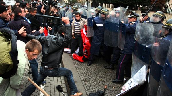 Albania - Worst violence since 1998