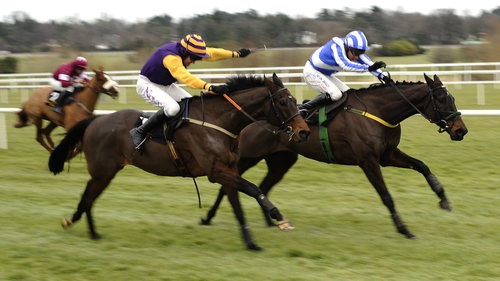 Noble Prince (l) - Cruised to victory with Davy Russel on board