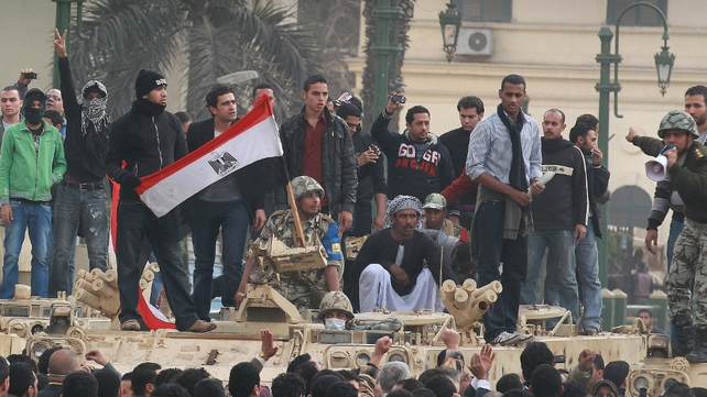 Cairo - Crowds demand Mubarak resignation
