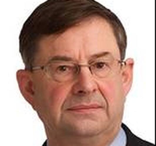 Éamon Ó Cuív , TD , Fianna Fáil .